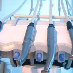 Акция к 20-летию нашей клиники — скидка на импланты